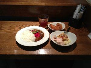 Ostrea のランチビュッフェ(牡蠣入り夏野菜カレー)