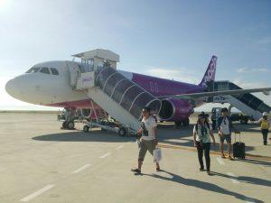 関西国際空港・ピーチ降機