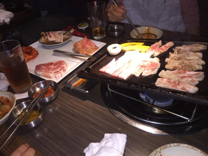 肉を食って食って食いまくる会 シーン5