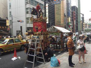 三越 日本橋本店前の山車