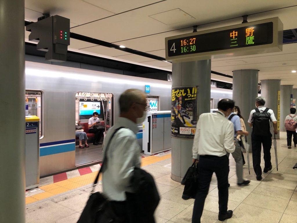 東京メトロ 東西線 大手町駅 中野方面ホームドア